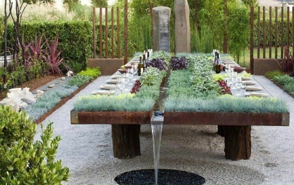 gartenmöbel gartentisch selber pflanzen holz wasser esstisch