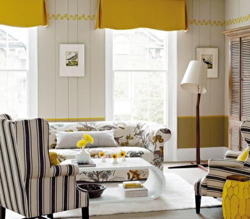 fensterladen streifen wohnzimmergelbe frühlingsstimmung gardinen