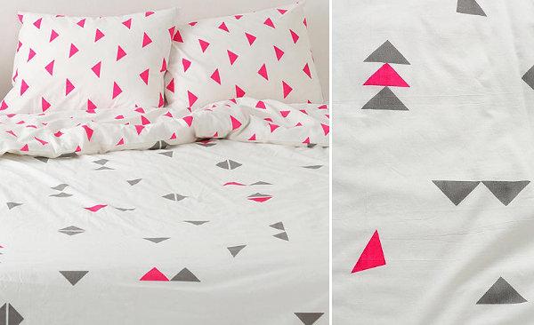 geometrische muster farbige dreiecke pink grau bettwäsche