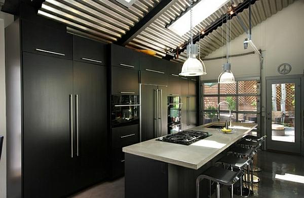 Glatt schwarz küchenschränke kühlschrank herd metall zimmerdecke