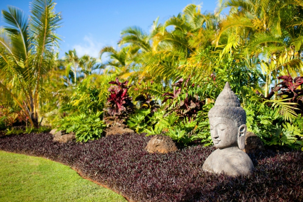 grün kanten beete kies Buddha Figuren im Garten