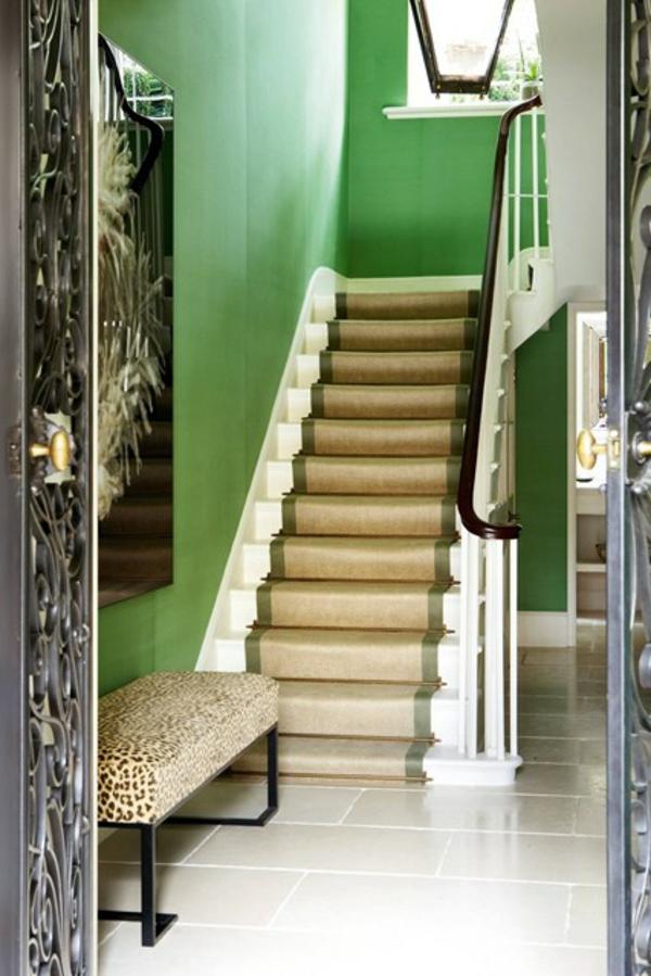 Flur Farblich Gestalten : Bemerkenswerte Deckenleuchte im Eingangsbereich – Holzsitzbank mit