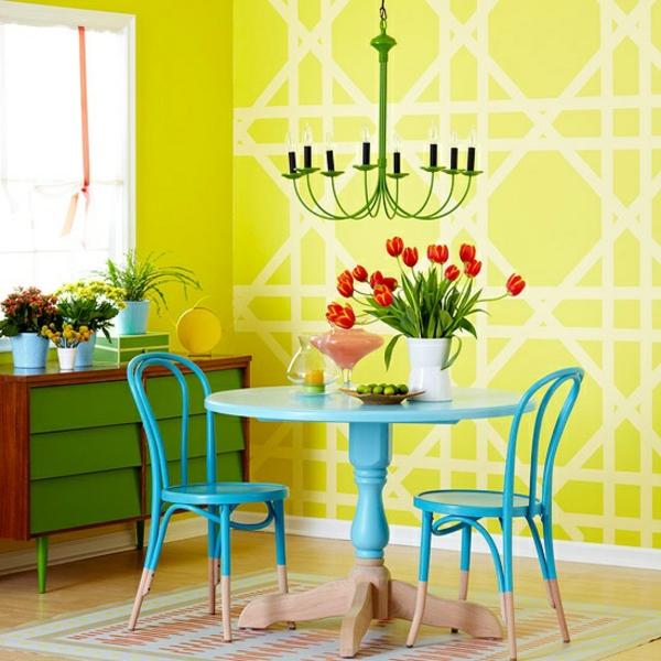 grelles gelb wandfarben gestaltung blauer tisch