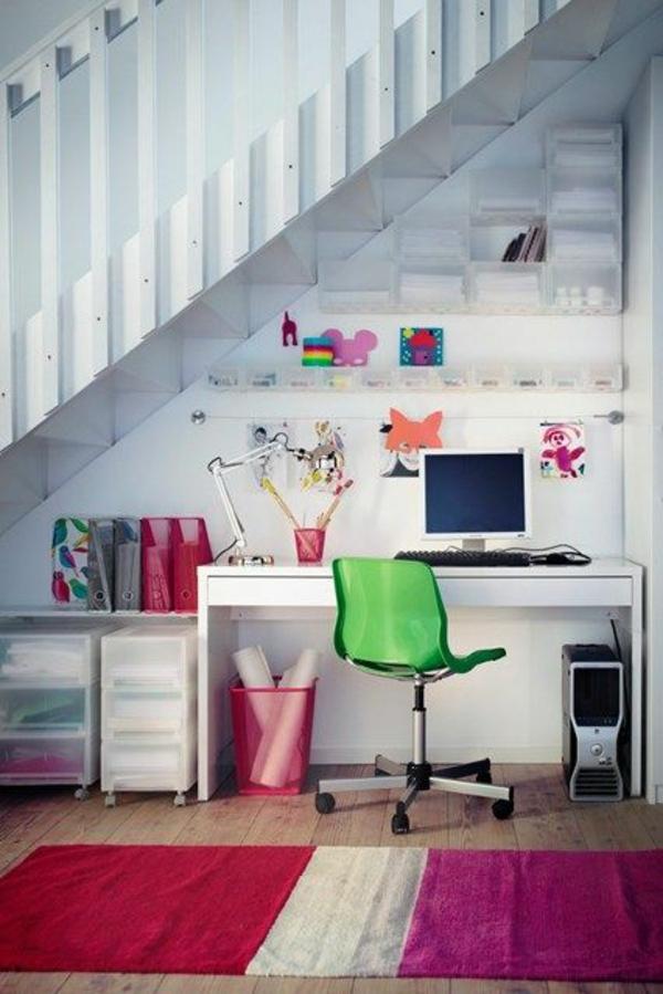 heimbüro im flur gestalten arbeitstisch grüner stuhl