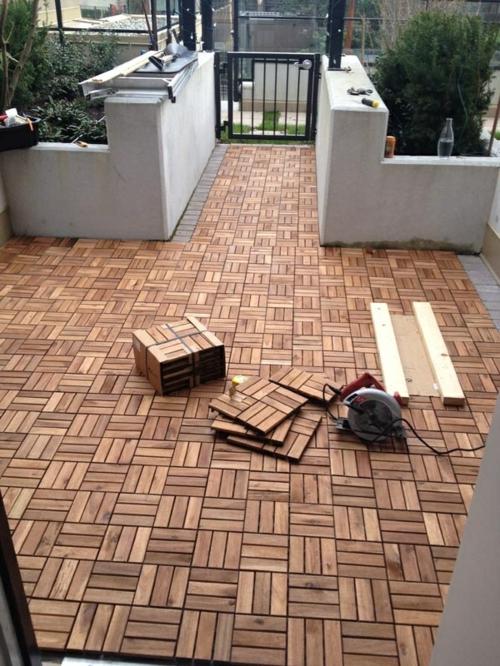 Holzfliesen Verlegen Holzboden Auf Dem Balkon - Bodenfliesen auf holz verlegen