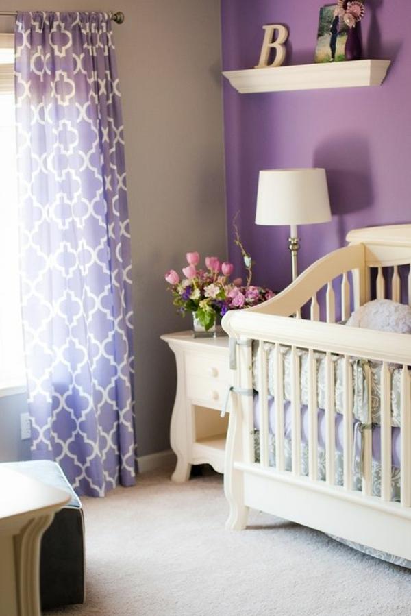 lila wand welche vorh nge interessante. Black Bedroom Furniture Sets. Home Design Ideas