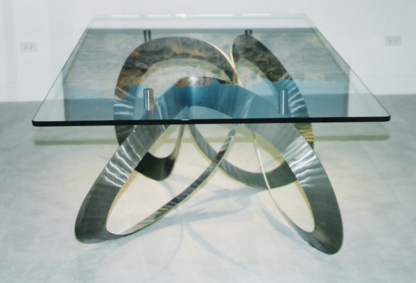industrieller-edelsstahltisch-basis-unterseite-glas