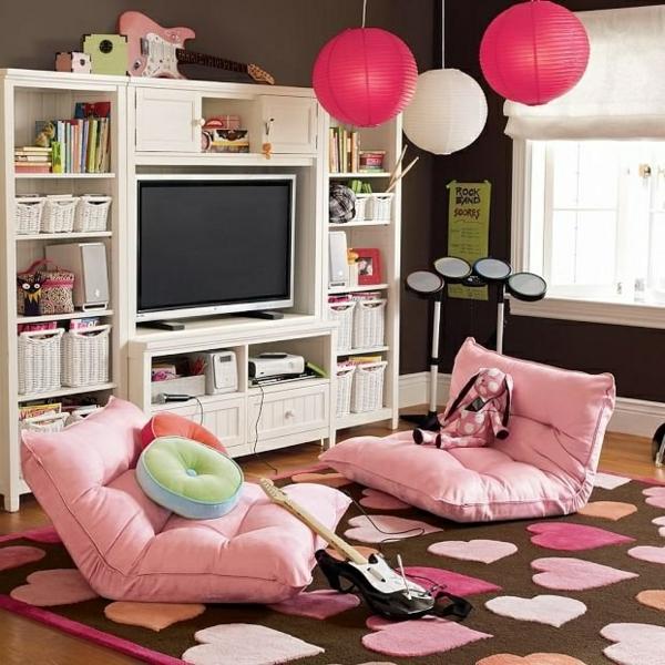 jugendzimmer designideen rosa kissen teppich pendelleuchten weißer schrank
