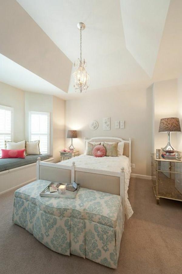 jugendzimmer einrichten mdchen bett bank teppich kronleuchter - Schlafzimmer Mit Ikea Ei