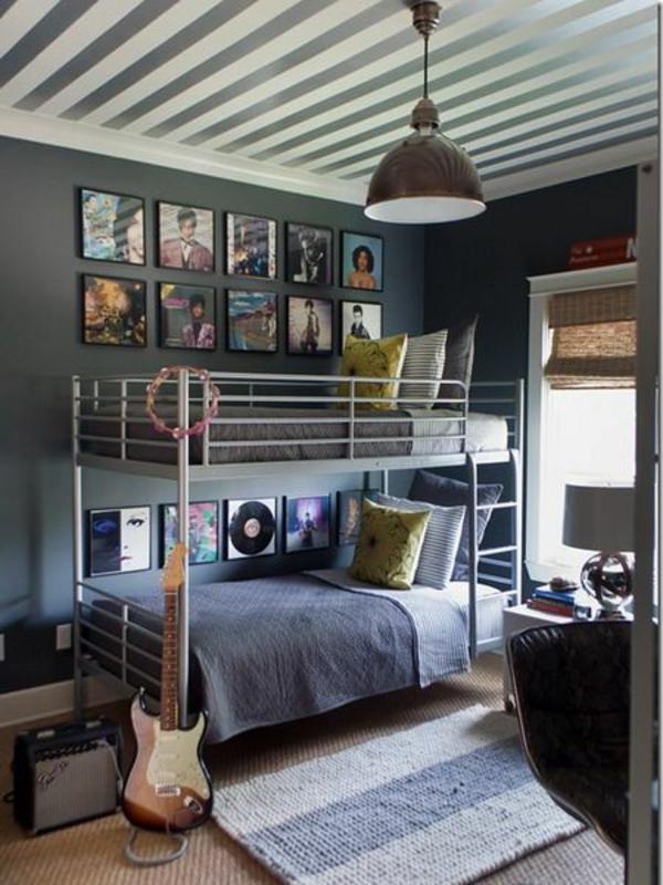 jungenzimmer gestalten stockbett teppich gitarre dekokissen