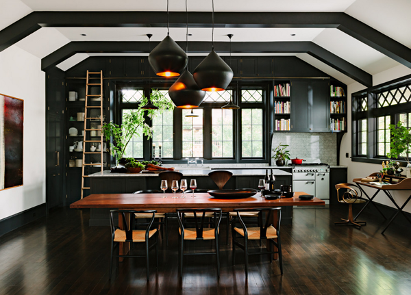 dekoartikel für einrichtungsideen küche in schwarz und weiß schwarze pendelleuchte laminat