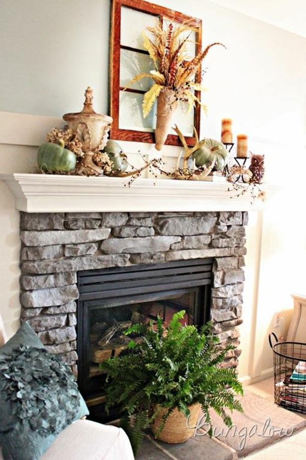 kaminsims-dekor-herbstmotive-stein