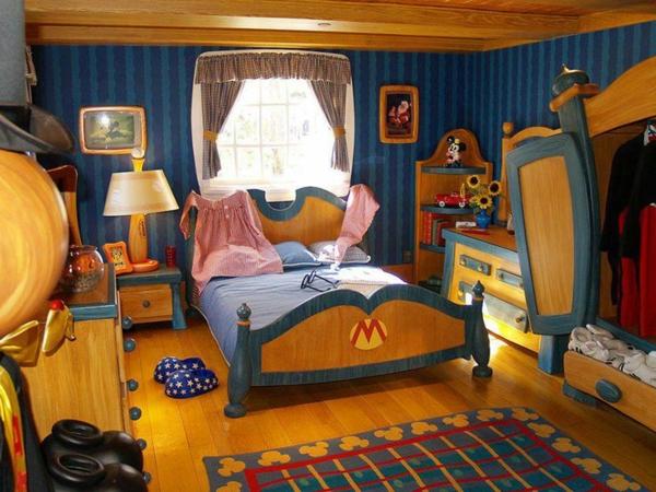 kinder schlafzimmer in blau und gold teppich