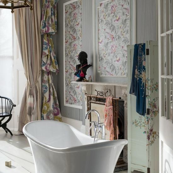 klassisch modern badewanne bad gardinen übergangsstil