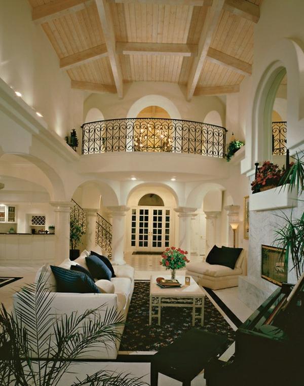 luxuriöse einrichtungsideen decke weiße wände und möbel
