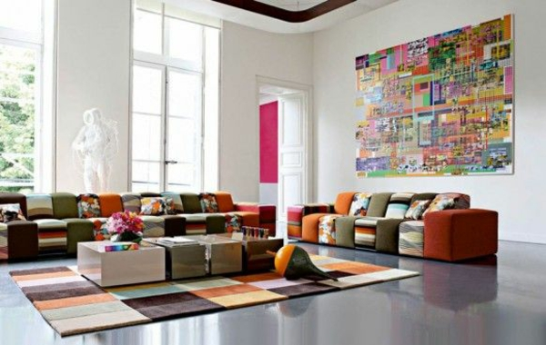 luxus wohnzimmer gestalten teppich buntes sofa dekoideen