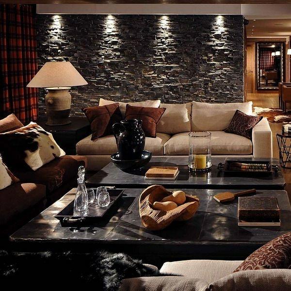 luxus wohnzimmer tische:luxus wohnzimmer steinwand tische sofa dekokissen