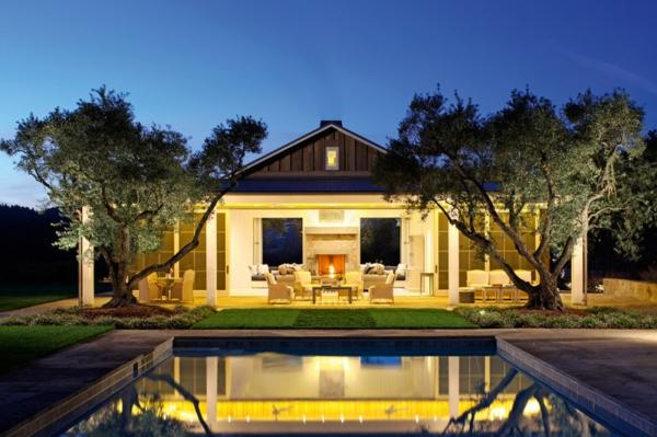 moderne architektur pool schöne beleuchtung resized