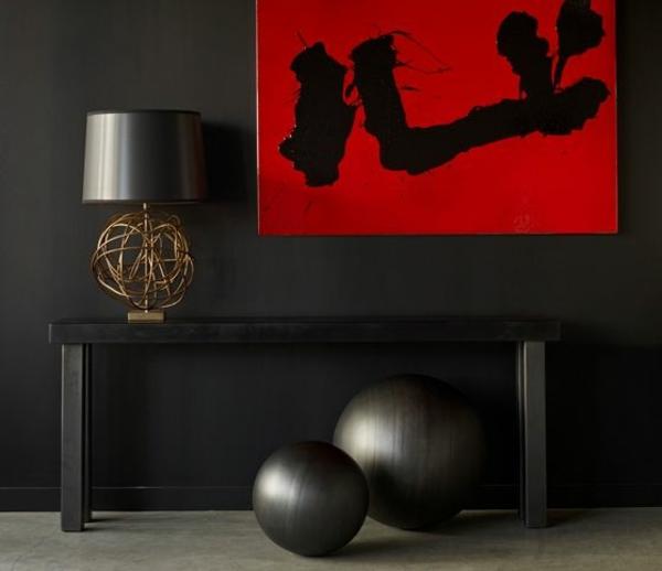 moderne einrichtungsideen im flur rot schwarze malerei