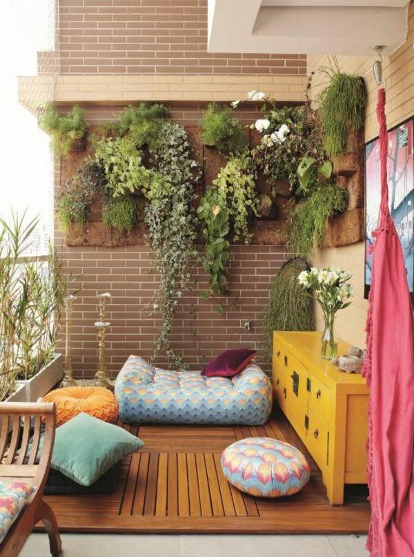 moderne-terrassengestaltung-dekoideen--vertikale-gartengestaltung