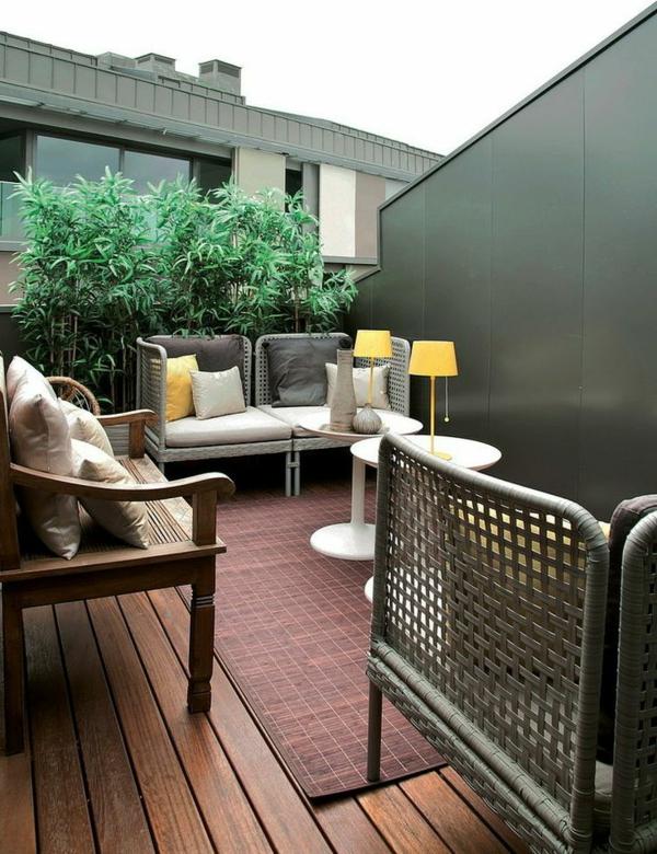 moderne terrassengestaltung wohnideen tische gelbe lampen terrassenmöbel