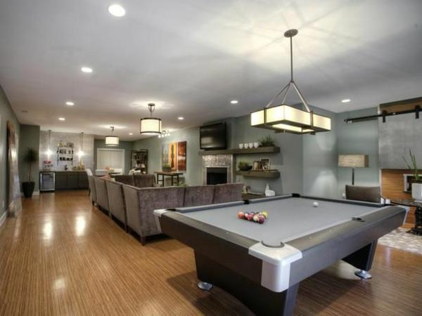 moderne wohnideen billiard tisch  pendelleuchten sitzecke