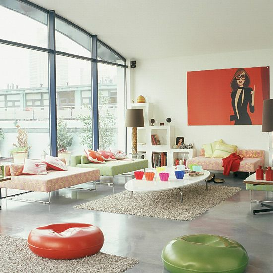 modernes wohnzimmer gestalten kunst wandgemälde glaswand licht farbe
