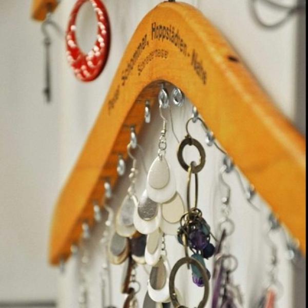 ohrringe aufbewahren schmuckständer selber machen diyideen kleiderbügel