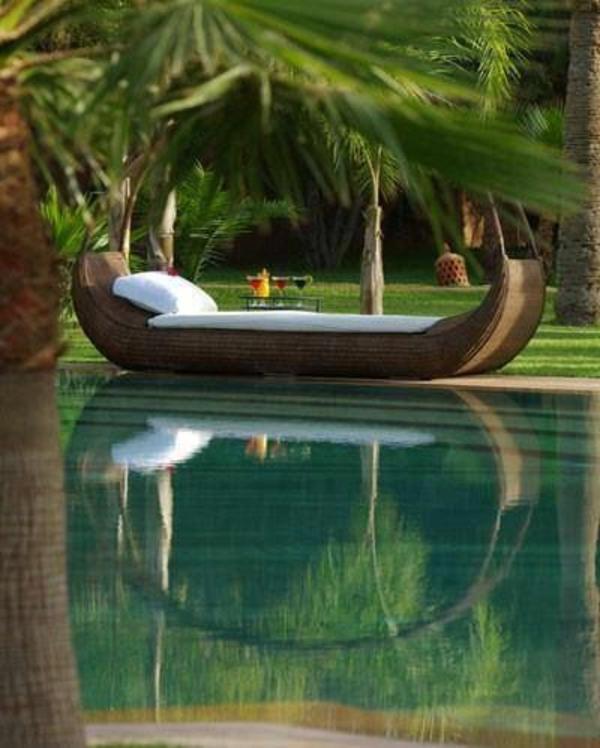 pool im garten palmen