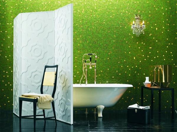raumteiler idee badezimmer badewanne mosaik grün fliesen