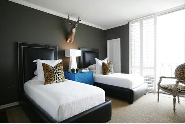 schlafzimmer 2 bette leopard kissen