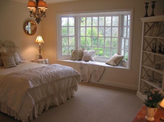 Fensterbank innen einbauen 15 beispiele zum nachschauen How should i decorate my small bedroom