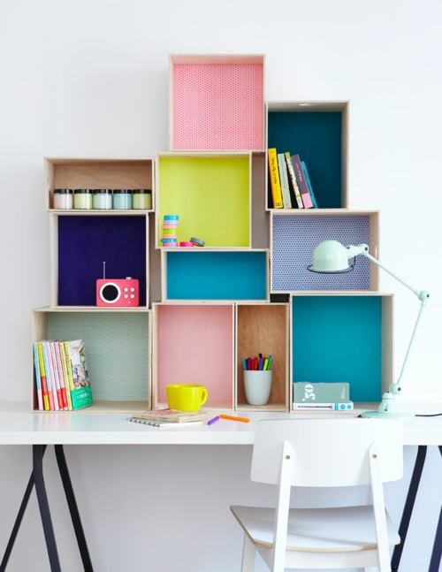 schreibtisch selber bauen diy büro holzkisten dekorieren wandregale