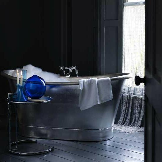 metall badewanne schaum schwarz badeinrichtung