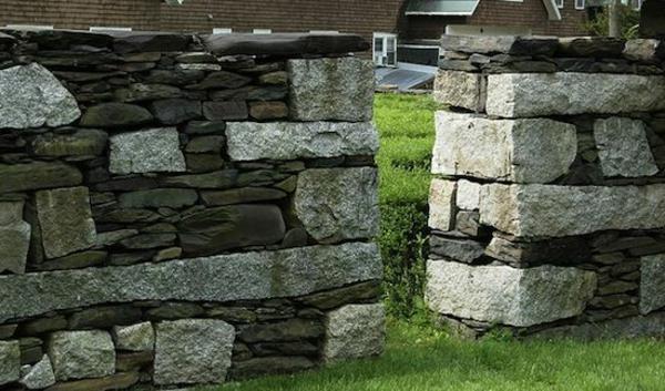 steimauergestaltung mit mehrförmigen steinarten