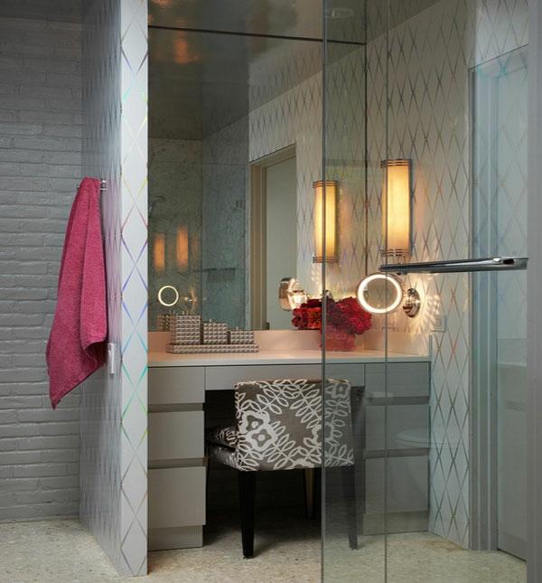 stilvolle frisierkommode im badezimmer spiegel dekoideen tuchhalter