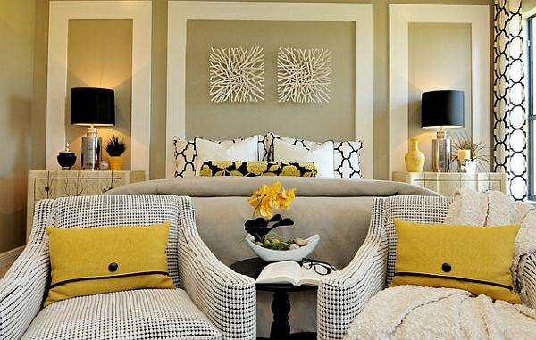 symmetrisch anordnung schlafzimmer sessel kissen tischlampen