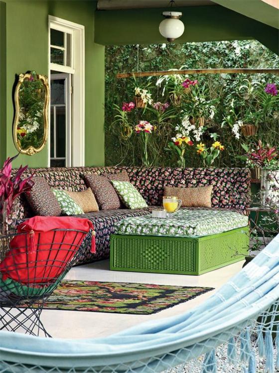 terrassengestaltung ideen gartenmöbel hängematte veranda pflanzen sichtschutz