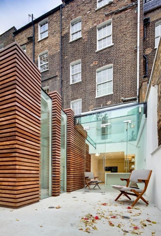 terrassengestaltung modern ideen holz beton bodenbelag glaswände