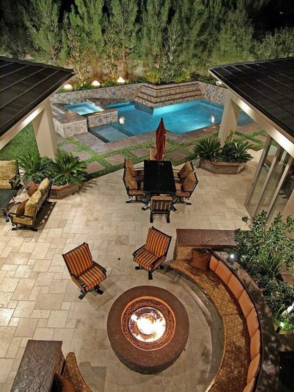 terrassengestaltung modern kamin runde sitzecke pool dekoideen