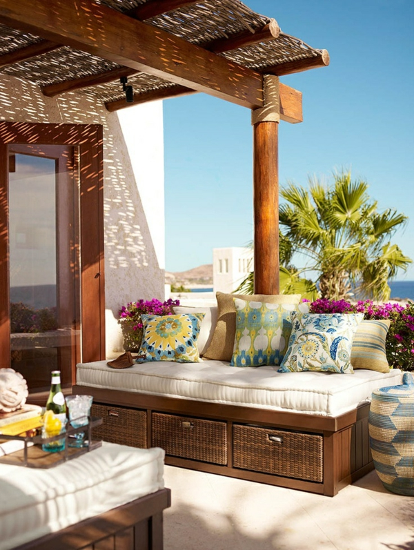 terrassengestaltung modern möbel rattan stauraum sommerhaus