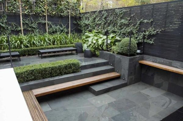 terrassensichtschutz kletterpflanzen zaun holzterrasse betonplatte