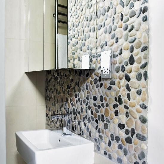 texturen kiesel wandgestaltung spiegel waschbecken