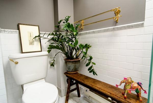 dekoartikel für einrichtungsideen toilette blumentopf holzbank