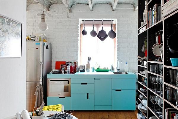 vintage wohnen türkis glatt küchenschränke farben backsteinwand