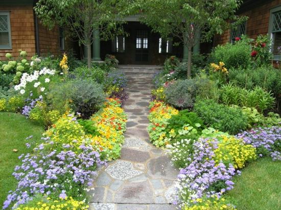 Vorgarten Und Einfahrt Gestalten Haus Stein Blumen Pflanzen