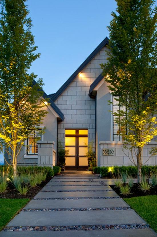 vorgarten und einfahrt gestalten praktische gartengestaltung ideen. Black Bedroom Furniture Sets. Home Design Ideas