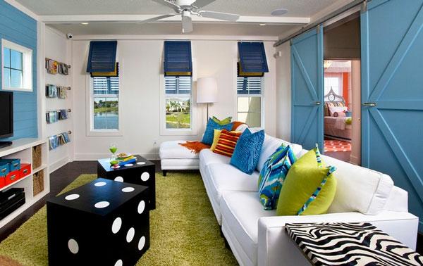 spielw rfeltisch und spielraum f r ein mit freude gef lltes haus. Black Bedroom Furniture Sets. Home Design Ideas