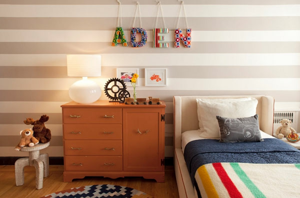 kreative wandgestaltung mit buchstaben und schriften kreieren. Black Bedroom Furniture Sets. Home Design Ideas