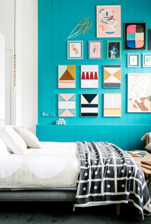 wandgestaltung schlafzimmer wandfarbe türkisblau holzdielen kunst wandgemälde